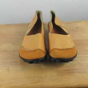 Casual Flat Shoes Size 10 1/2 M